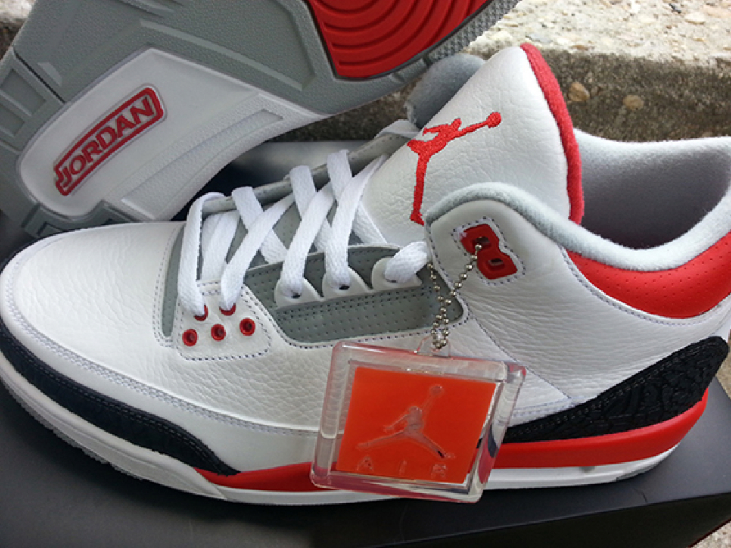79de73c09fa6 The retro 3 fire red is back again!!! Last seen in 2006